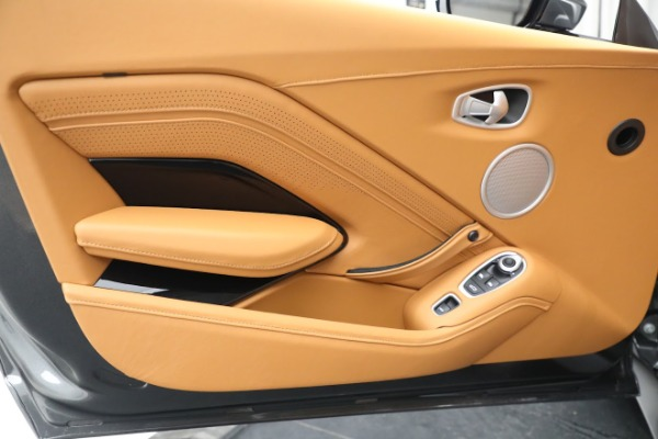 New 2021 Aston Martin Vantage Roadster for sale $174,586 at Aston Martin of Greenwich in Greenwich CT 06830 15