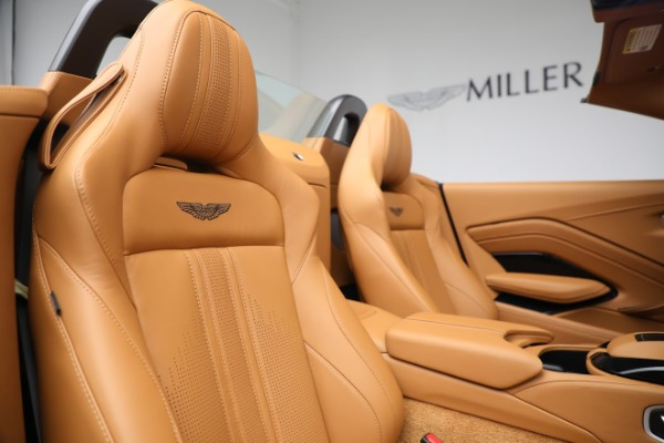New 2021 Aston Martin Vantage Roadster for sale $174,586 at Aston Martin of Greenwich in Greenwich CT 06830 17