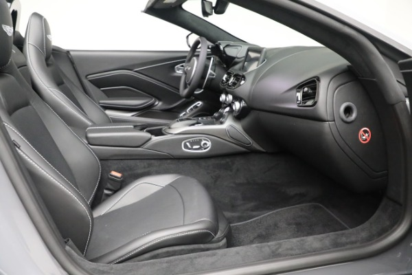 New 2021 Aston Martin Vantage Roadster for sale $180,286 at Aston Martin of Greenwich in Greenwich CT 06830 19