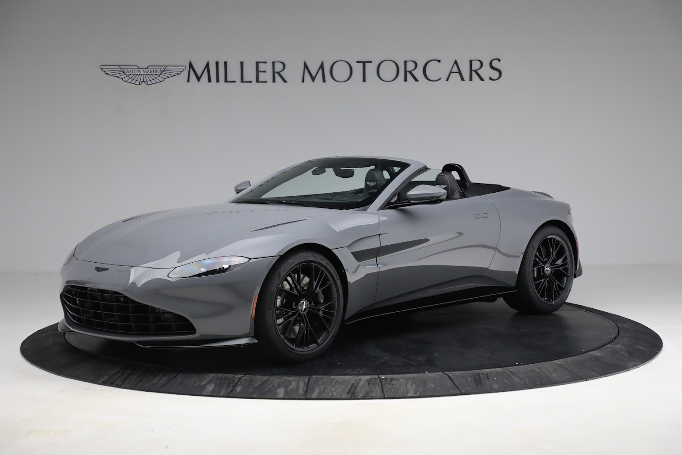 New 2021 Aston Martin Vantage Roadster for sale $180,286 at Aston Martin of Greenwich in Greenwich CT 06830 1