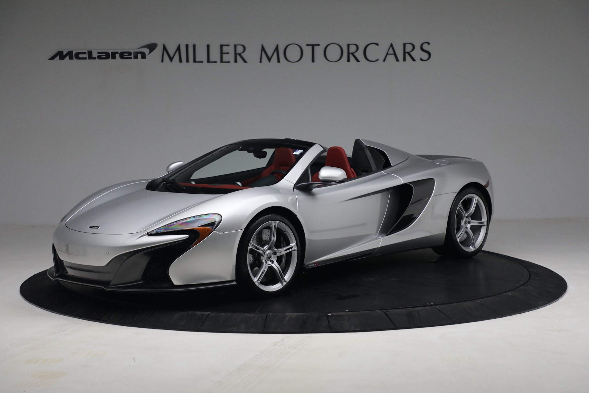 Used 2015 McLaren 650S Spider for sale $179,990 at Aston Martin of Greenwich in Greenwich CT 06830 1