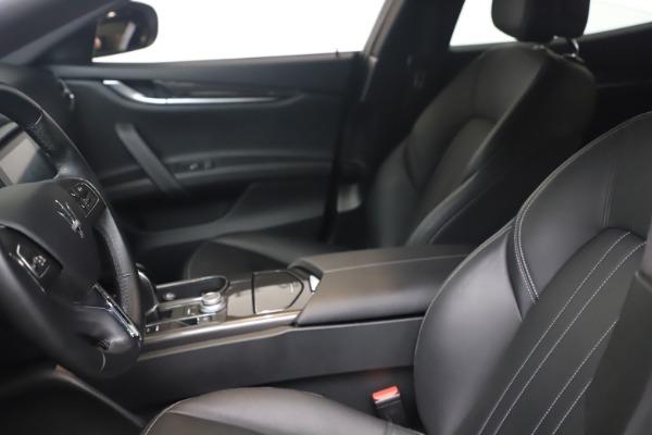 Used 2018 Maserati Ghibli SQ4 for sale $54,900 at Aston Martin of Greenwich in Greenwich CT 06830 14