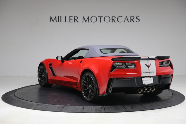 Used 2015 Chevrolet Corvette Z06 for sale $89,900 at Aston Martin of Greenwich in Greenwich CT 06830 17