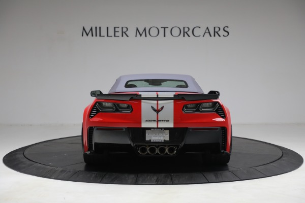 Used 2015 Chevrolet Corvette Z06 for sale $89,900 at Aston Martin of Greenwich in Greenwich CT 06830 18