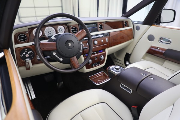 Used 2015 Rolls-Royce Phantom Drophead Coupe for sale Call for price at Aston Martin of Greenwich in Greenwich CT 06830 27