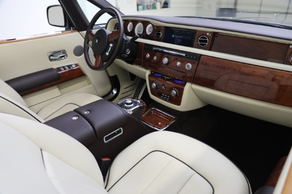 Used 2015 Rolls-Royce Phantom Drophead Coupe for sale Call for price at Aston Martin of Greenwich in Greenwich CT 06830 28