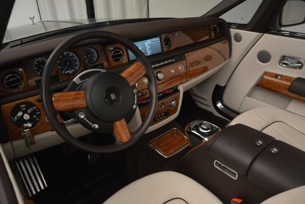 Used 2015 Rolls-Royce Phantom Drophead Coupe for sale Sold at Aston Martin of Greenwich in Greenwich CT 06830 28
