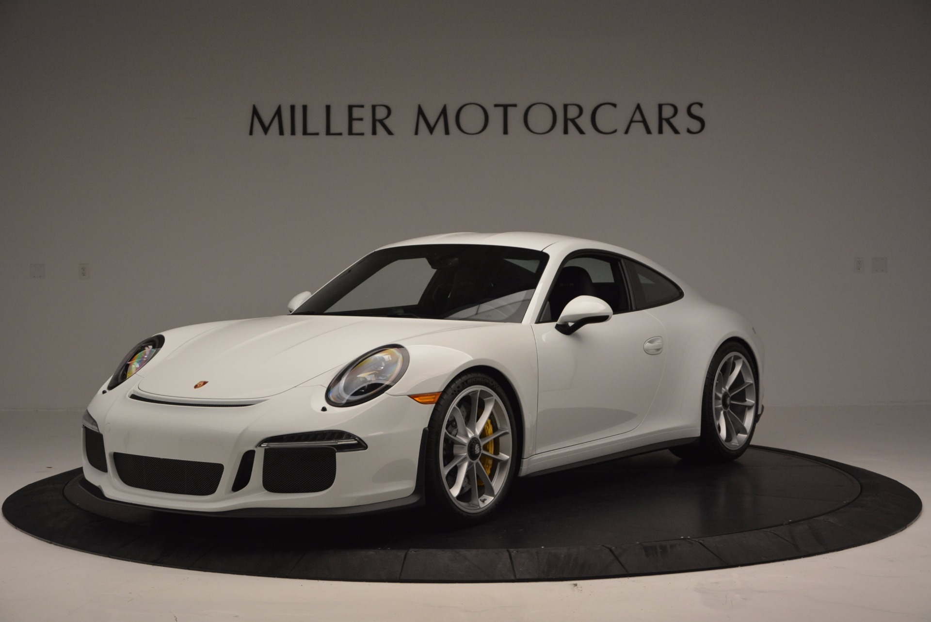 Used 2016 Porsche 911 R for sale Sold at Aston Martin of Greenwich in Greenwich CT 06830 1