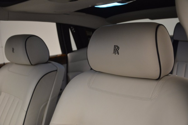 Used 2011 Rolls-Royce Phantom for sale Sold at Aston Martin of Greenwich in Greenwich CT 06830 12
