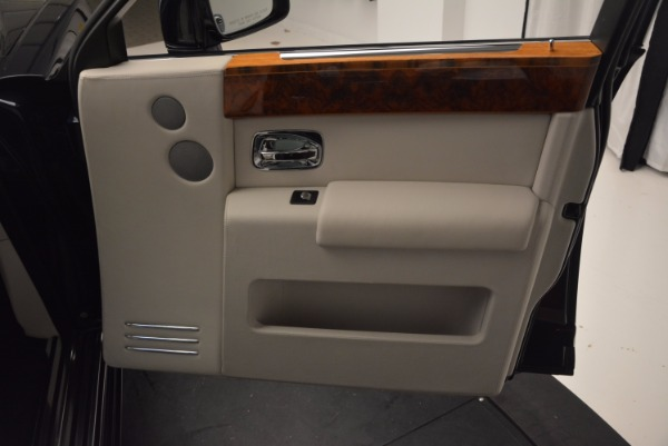 Used 2011 Rolls-Royce Phantom for sale Sold at Aston Martin of Greenwich in Greenwich CT 06830 17