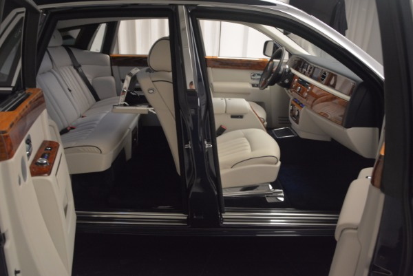 Used 2011 Rolls-Royce Phantom for sale Sold at Aston Martin of Greenwich in Greenwich CT 06830 18