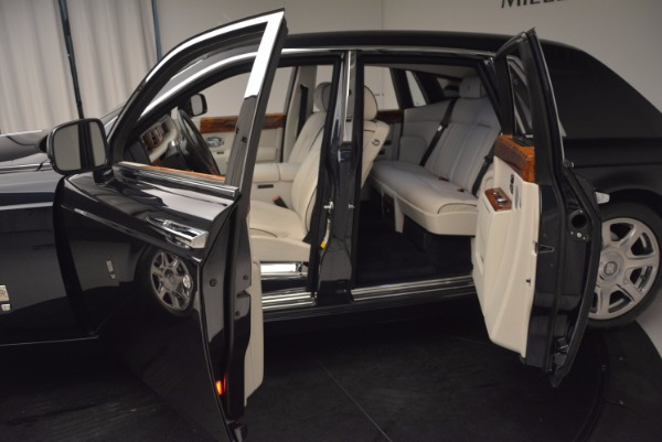 Used 2011 Rolls-Royce Phantom for sale Sold at Aston Martin of Greenwich in Greenwich CT 06830 5
