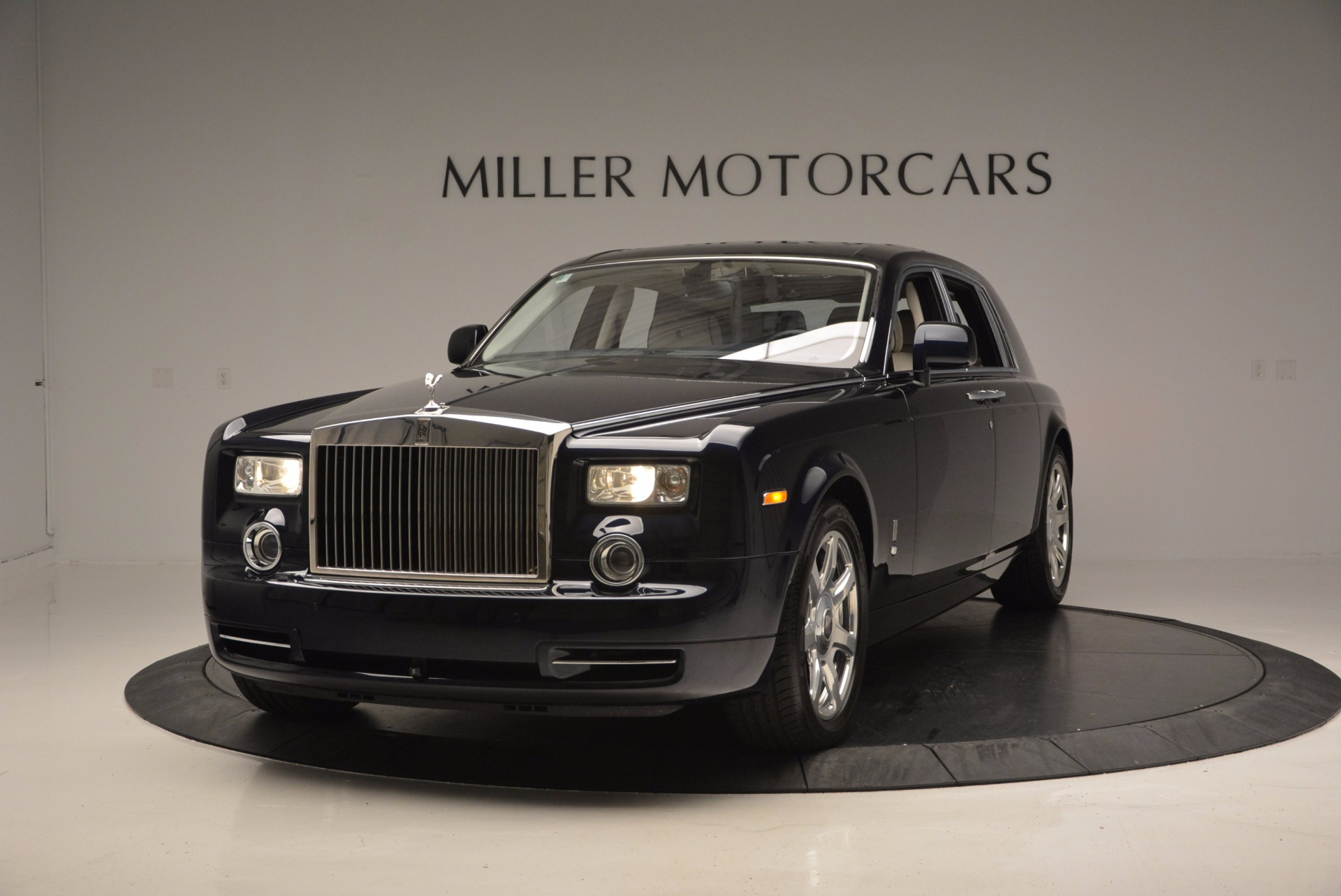 Used 2011 Rolls-Royce Phantom for sale Sold at Aston Martin of Greenwich in Greenwich CT 06830 1