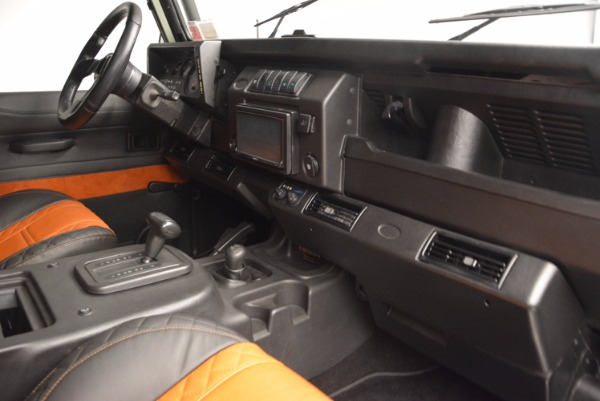Used 1997 Land Rover Defender 90 for sale Sold at Aston Martin of Greenwich in Greenwich CT 06830 17