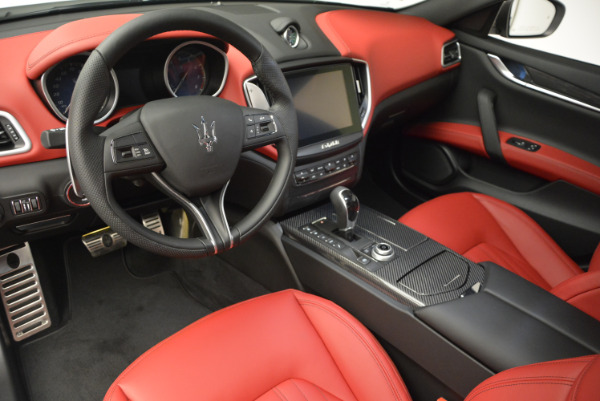 Used 2017 Maserati Ghibli S Q4 for sale $51,900 at Aston Martin of Greenwich in Greenwich CT 06830 13