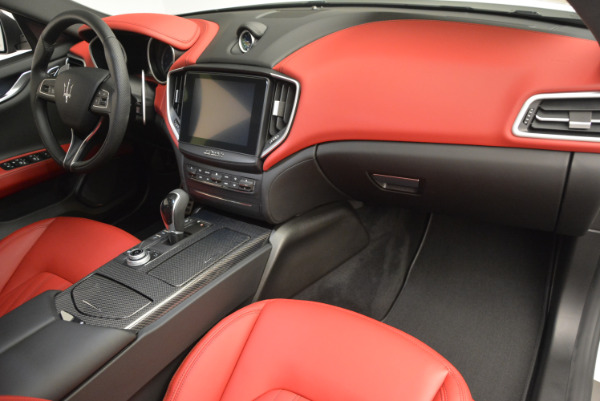 Used 2017 Maserati Ghibli S Q4 for sale $51,900 at Aston Martin of Greenwich in Greenwich CT 06830 20