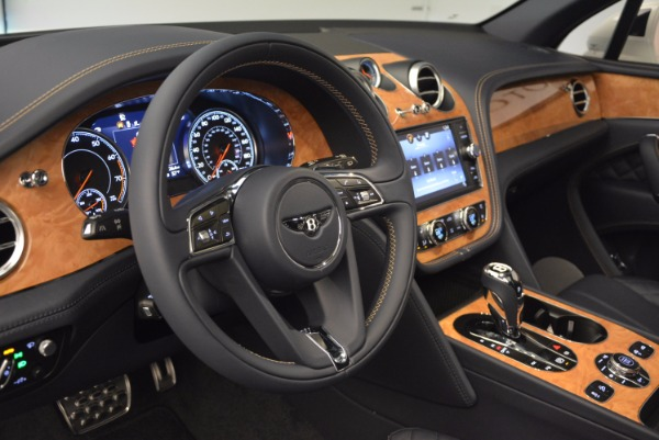 New 2017 Bentley Bentayga for sale Sold at Aston Martin of Greenwich in Greenwich CT 06830 27