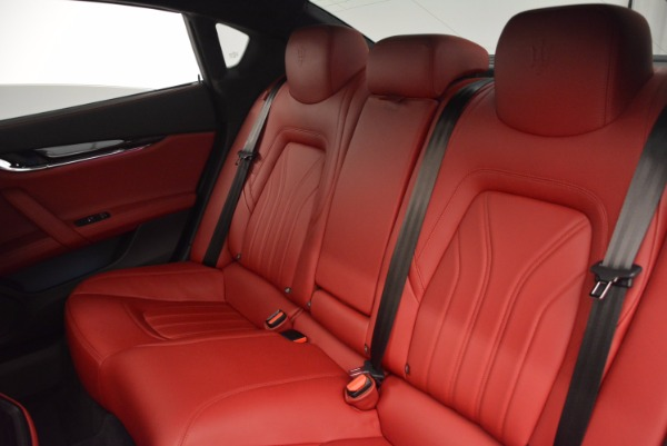 Used 2015 Maserati Quattroporte S Q4 for sale Sold at Aston Martin of Greenwich in Greenwich CT 06830 17