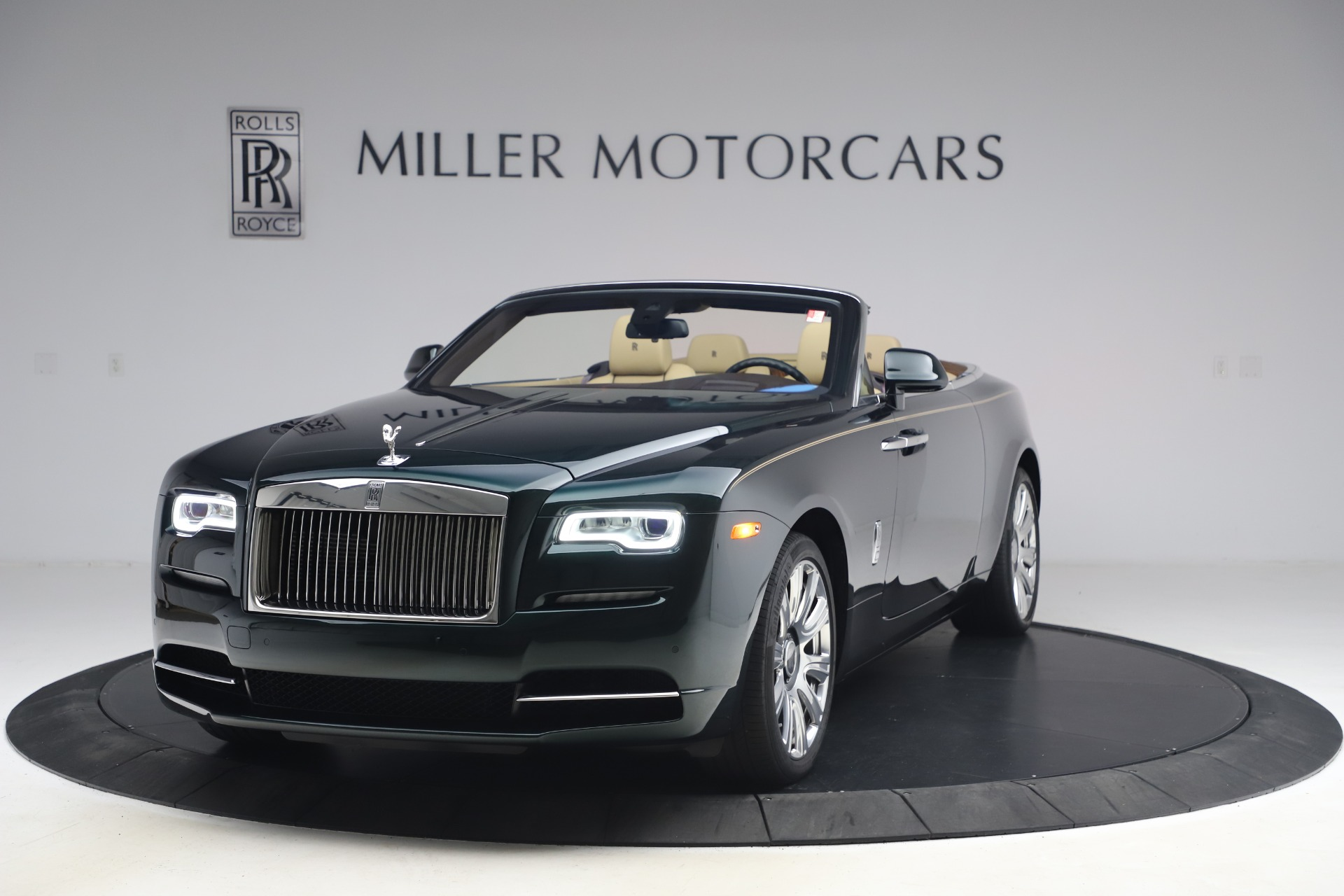 Used 2017 Rolls-Royce Dawn for sale $248,900 at Aston Martin of Greenwich in Greenwich CT 06830 1