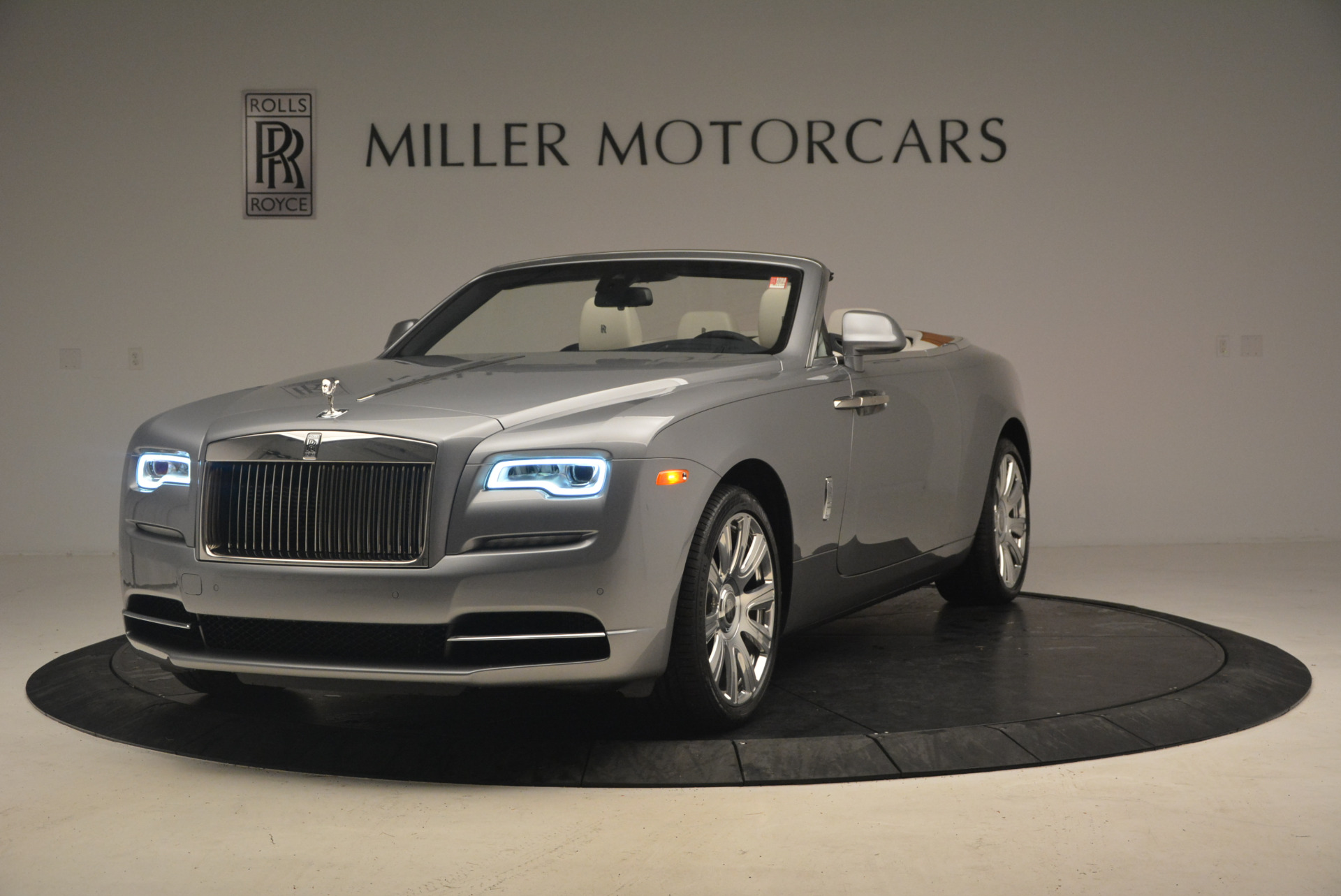 Used 2017 Rolls-Royce Dawn for sale Sold at Aston Martin of Greenwich in Greenwich CT 06830 1