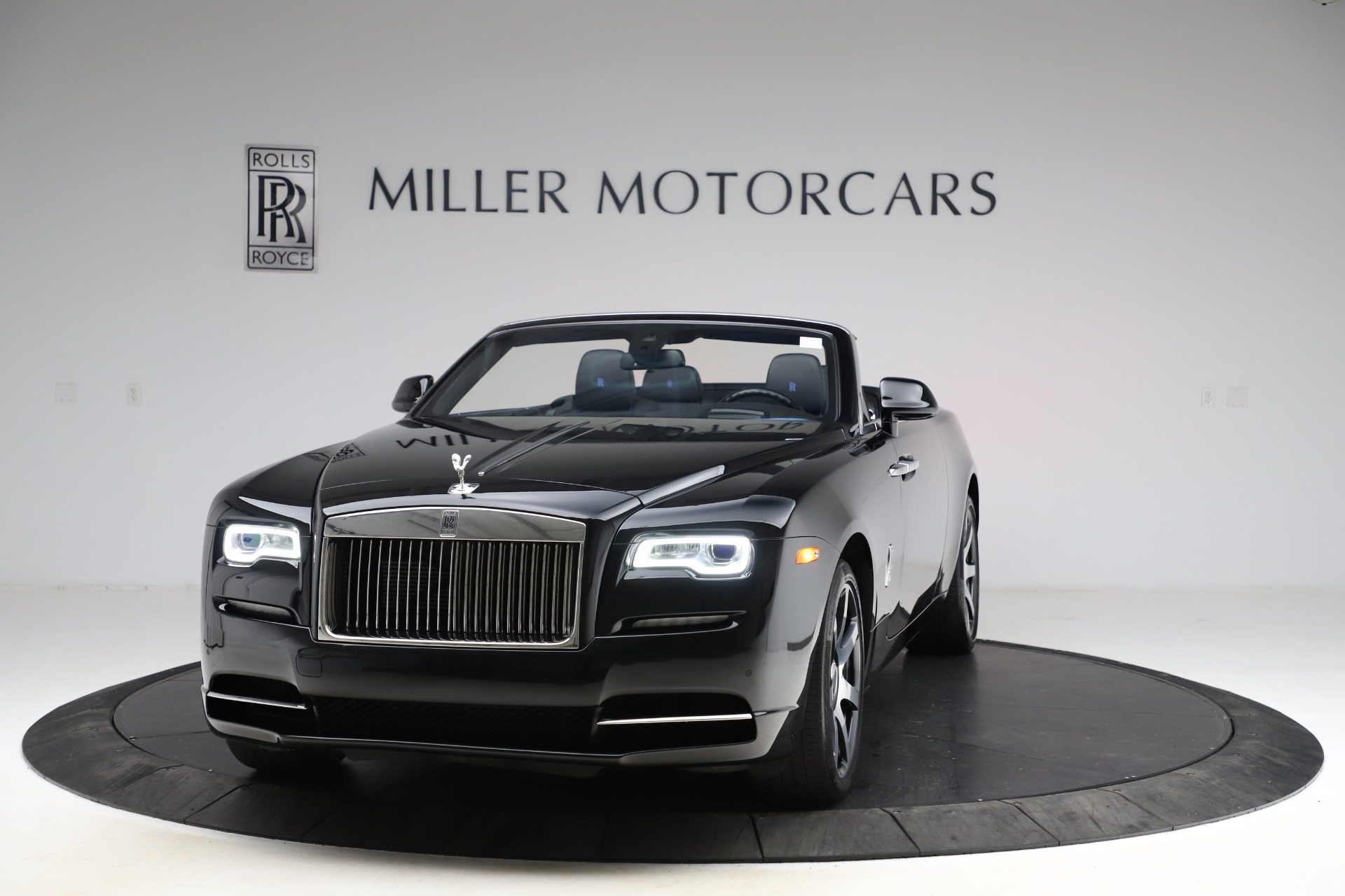 Used 2017 Rolls-Royce Dawn for sale $239,900 at Aston Martin of Greenwich in Greenwich CT 06830 1