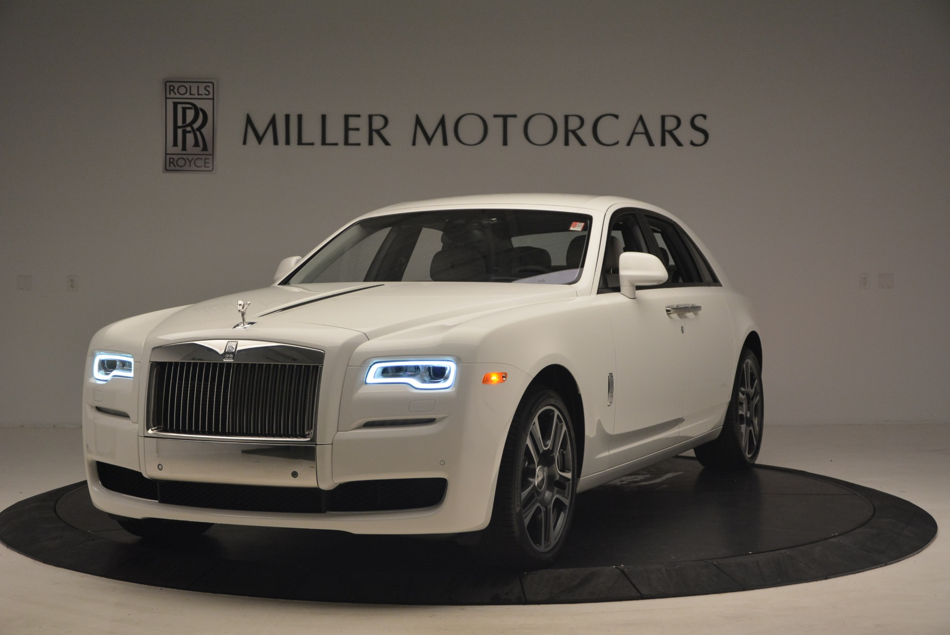 Used 2017 Rolls-Royce Ghost for sale Sold at Aston Martin of Greenwich in Greenwich CT 06830 1